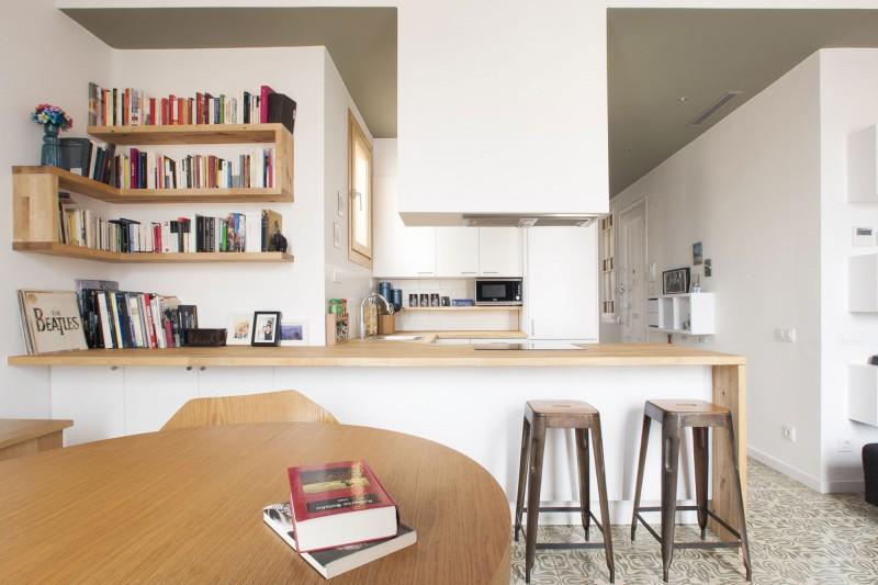 Un piso con mucho encanto for Reforma cocina abierta al salon